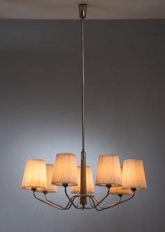 J T Kalmar Kalmar Lighting Modernist wood and brass chandelier with 7 arms - 2006276