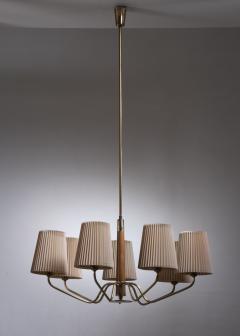 J T Kalmar Kalmar Lighting Modernist wood and brass chandelier with 7 arms - 2006277