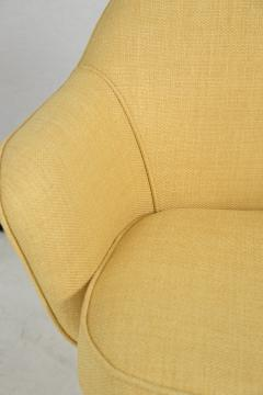 Knoll Knoll Desk Chair in Yellow Microfiber - 246811