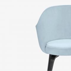 Knoll Knoll Saarinen Executive Arm Chairs in Ultrasuede Walnut Legs Set of 4 - 2082137