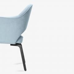 Knoll Knoll Saarinen Executive Arm Chairs in Ultrasuede Walnut Legs Set of 4 - 2082139