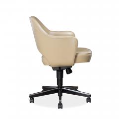 Knoll Saarinen Executive Arm Chair in Leather Swivel Base by Eero Saarinen for Knoll - 1838691