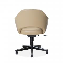 Knoll Saarinen Executive Arm Chair in Leather Swivel Base by Eero Saarinen for Knoll - 1838693
