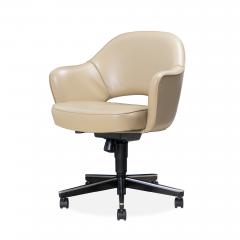 Knoll Saarinen Executive Arm Chair in Leather Swivel Base by Eero Saarinen for Knoll - 1838694