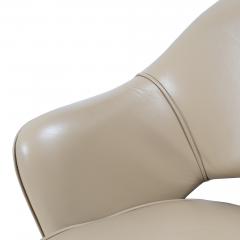 Knoll Saarinen Executive Arm Chair in Leather Swivel Base by Eero Saarinen for Knoll - 1838696