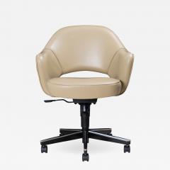 Knoll Saarinen Executive Arm Chair in Leather Swivel Base by Eero Saarinen for Knoll - 1839674