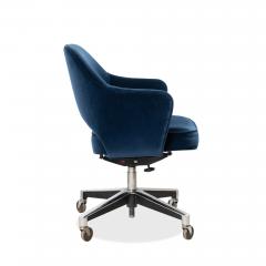 Knoll Saarinen Executive Arm Chair in Velvet Swivel Base by Eero Saarinen for Knoll - 1838808