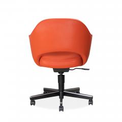 Knoll Saarinen Executive Arm Chair in Vinyl Swivel Base by Eero Saarinen for Knoll - 1838685