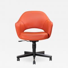Knoll Saarinen Executive Arm Chair in Vinyl Swivel Base by Eero Saarinen for Knoll - 1839670