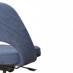 Knoll Saarinen Executive Armless Chair in Woven Leather by Eero Saarinen for Knoll - 1838763
