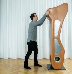 Kohlmaier Manufaktur Sculpture a 360 degree swivel upright horizontal vertical bench - 1069554
