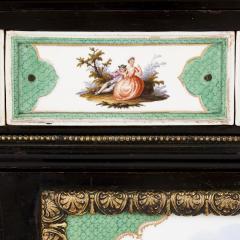 Konigliche Porzellan Manufaktur KPM Ormolu and KPM porcelain mounted display cabinet - 1256198