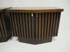 Lane Furniture Handsome Pair Of Ribbed Front Plinth Base Lane Night Stands Mid century Modern - 1862487