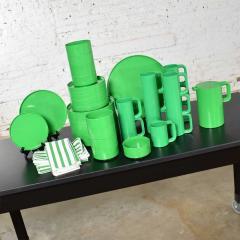 Lella Massimo Vignelli Heller dinnerware by lella massimo vignelli in kelly green 58 pieces napkins - 1682047
