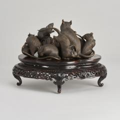 Maruki An antique Japanese bronze of a family of rats - 1260073