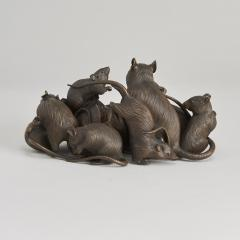 Maruki An antique Japanese bronze of a family of rats - 1260077