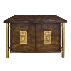 Mastercraft Mastercraft Pair Of Luxurious Bedside Tables In Carpathian Elm And Brass 1960s - 1301907