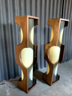 Modeline Modeline Monumental Mid Century Modern Lucite Lamps - 1524526