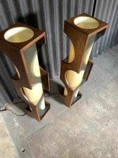 Modeline Modeline Monumental Mid Century Modern Lucite Lamps - 1524527