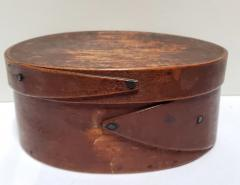 Mt Lebanon Shaker Community Small Shaker Covered Oval Box circa 1890 - 2106883