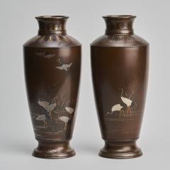 Nogawa A pair of stylish Meiji Period Japanese bronze vases with crane decoration - 1510522