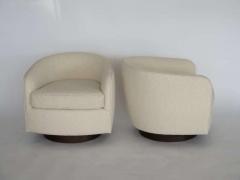 Orange Furniture PAIR OF MILO BAUGHMAN STYLE SWIVEL CHAIRS - 1412993