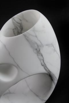 Pieruga Marble Vase sculpture in white Statuary marble made in Italy - 1451002