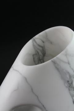 Pieruga Marble Vase sculpture in white Statuary marble made in Italy - 1451003