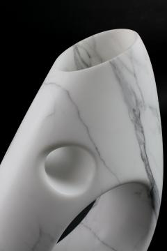 Pieruga Marble Vase sculpture in white Statuary marble made in Italy - 1451007