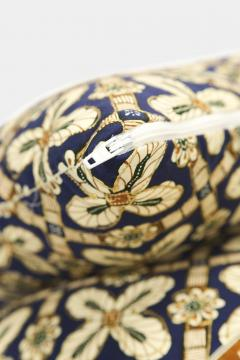 Reha Okay Set of 2 pillows with decorated fabric and gold application - 1782805
