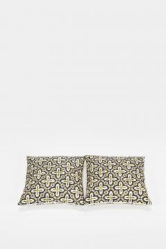 Reha Okay Set of 2 pillows with decorated fabric and gold application - 1782807