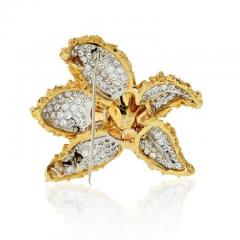 Ruser Jewelry William Ruser RUSER 1960S 18K TWO TONE FLOWER WITH PAVE SET DIAMOND LEAVES BROOCH - 1858424