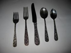 S Kirk Sons Repousse by Kirk Sterling Silver Flatware 40 Piece Dinner Service for Eight - 996329