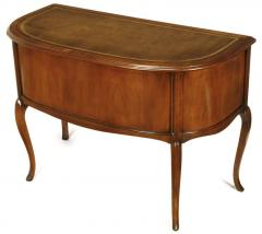 Sligh Lowry Furniture Co Sligh Walnut Curved Front Desk With Leather Top    38972
