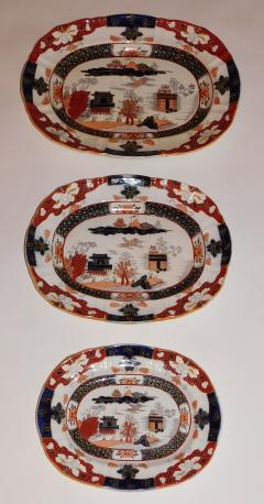 Staffordshire Set of Three Masons Graduated Platters - 768427