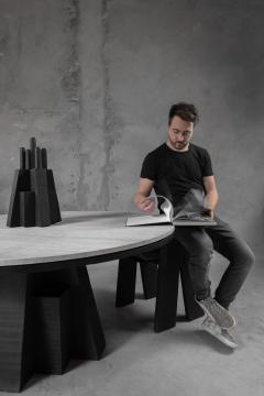 Studio Arno Declercq AD Round Table Iroko and Stone Signed Table Arno Declercq - 1068940