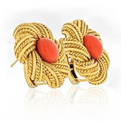 Tiffany Co TIFFANY CO 1970S 18K YELLOW GOLD ROUND CORAL VINTAGE FLOWER EARRINGS - 1720969