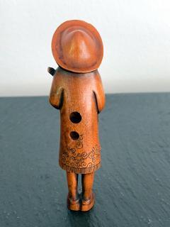 Tomotada Japanese Antique Netsuke of A Dutchman Signed Tomotada - 1119316