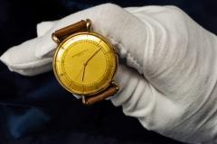 Vacheron Constantin 1940s Vacheron Constantin Lemon Dial 18kt Yg Tear Drop Lugs Wristwatch - 867752