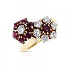 Van Cleef Arpels VAN CLEEF ARPELS DOUBLE FLORAL RUBY AND DIAMOND TOI ET MOI RING 18K YELLOW - 2142935