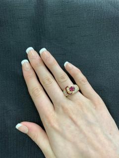 Van Cleef Arpels VAN CLEEF ARPELS OVAL RUBY AND DIAMOND RING WITH INVISIBLY SET RUBIES 18K - 2031112