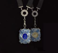 Van Cleef and Arpels Rare 1900s Platinum Diamond Set 18Kt Yg Cameo Pendant Watch - 591585