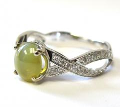 1 73 Carat Oval Cats Eye Chrysoberyl Cabochon and Diamond 18k White Gold Ring - 1416682