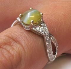 1 73 Carat Oval Cats Eye Chrysoberyl Cabochon and Diamond 18k White Gold Ring - 1416687