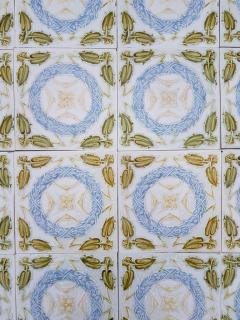 1 of the 90 French Art Deco Tiles circa 1930 - 1298938