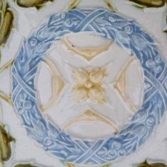 1 of the 90 French Art Deco Tiles circa 1930 - 1298942