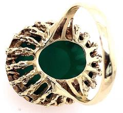 14 Karat Yellow Gold Oval Green Onyx with Filigree Overlay Solitaire Ring - 1241656