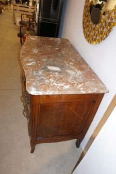 1770s Bow Front French Provincial Marquetry Commode in Solid Walnut Marble Top - 1041627