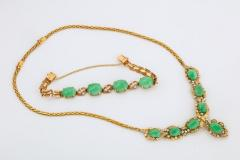 18 Karat Gold Diamonds and Chinese Jade Necklace and Bracelet Set - 936534