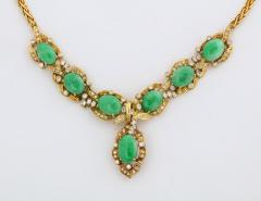 18 Karat Gold Diamonds and Chinese Jade Necklace and Bracelet Set - 936535